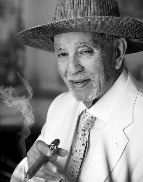 Avo Uvezian, 1926-2017