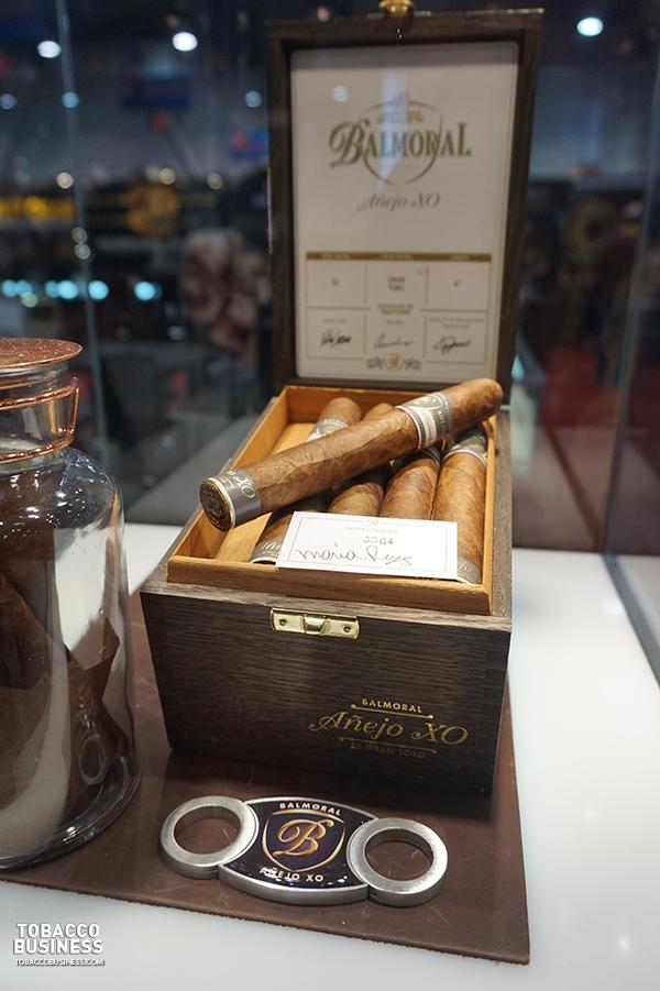 Royal Agio Cigars IPCPR 2017 Balmoral Añejo XO