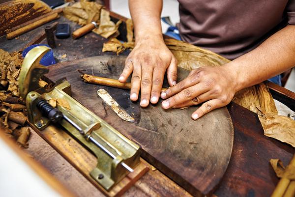 Cuba Cigar Making