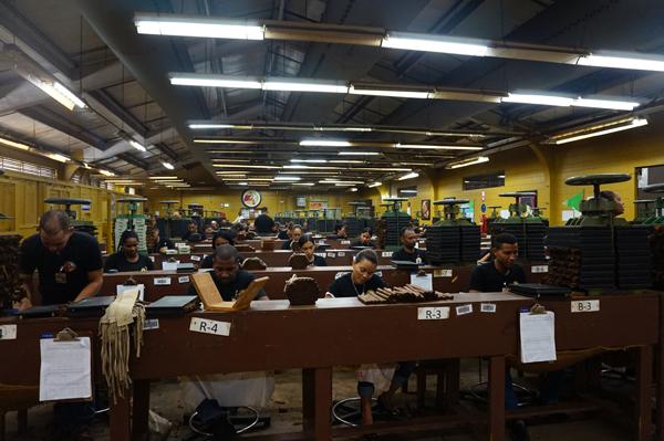 La Gloria Cubana Factory El Credito, General Cigar Dominicana