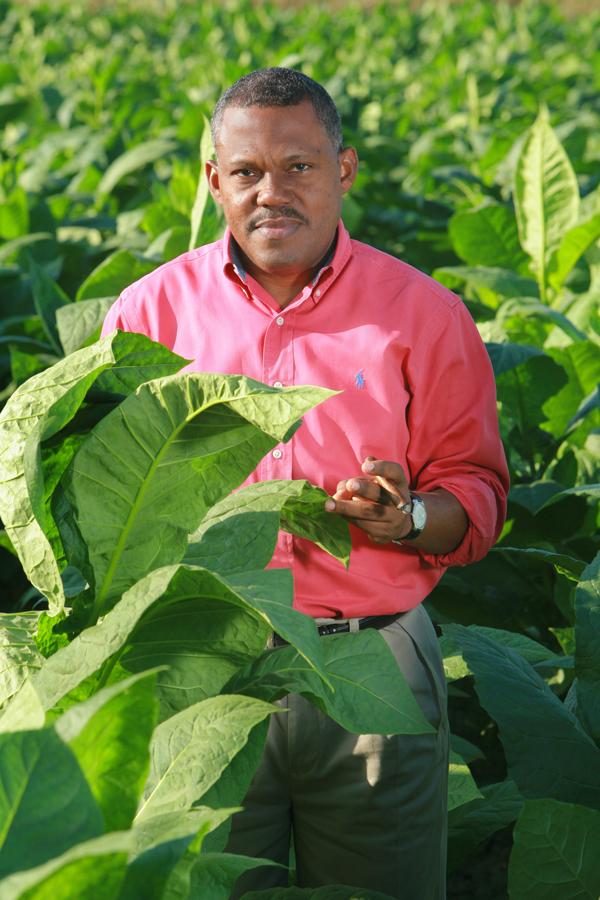 Jhonys Diaz, General Cigar