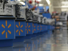 Walmart Raises Minimum Tobacco Purchasing Age to 21