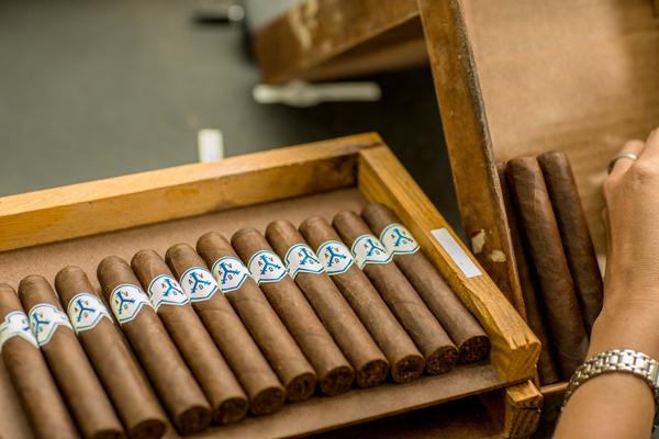 Adventura Cigars | Henderson Ventura