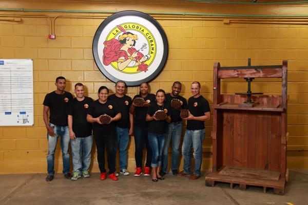 El Credito Cigar Factory | La Gloria Cubana